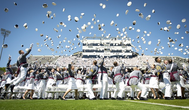 graduation-802899_640.jpg